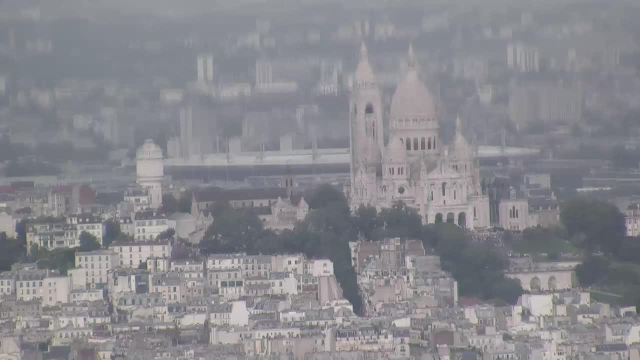 Paris Sun. 15:10