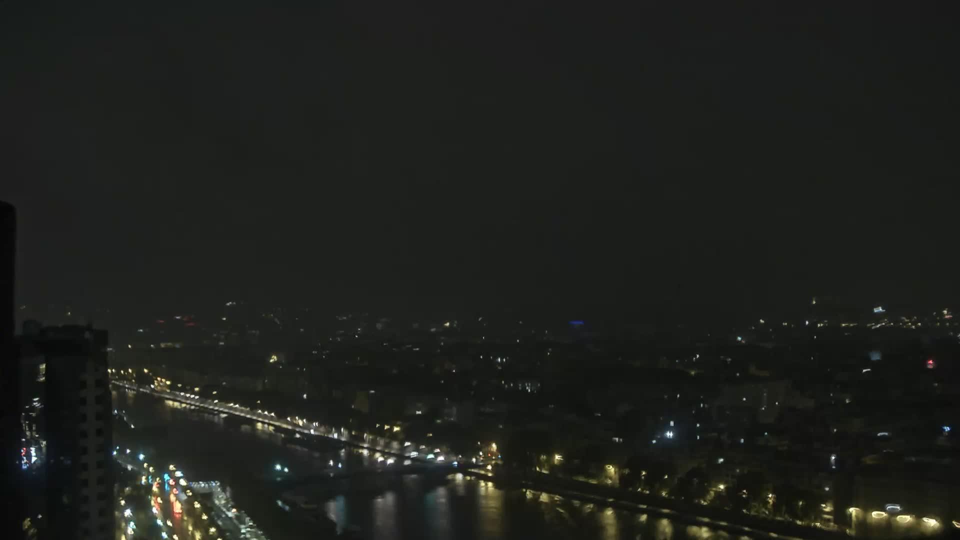 Paris Sat. 01:23