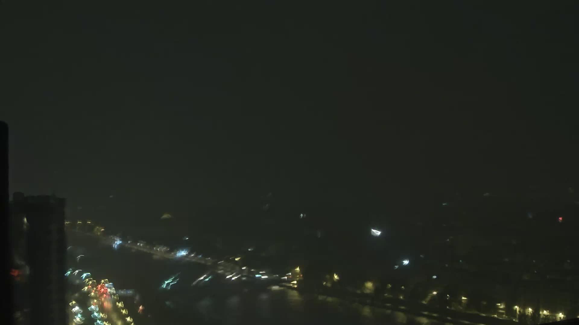 Paris Sat. 03:23