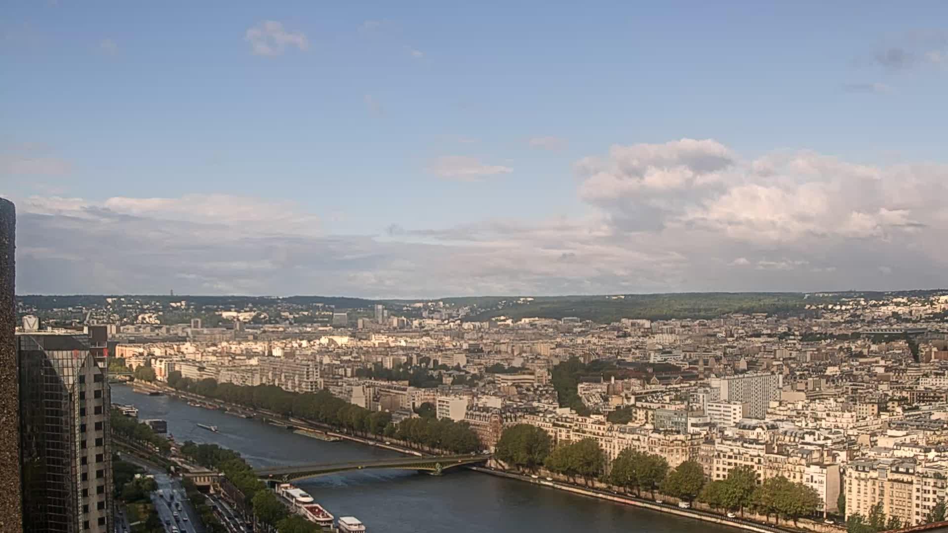 Paris Sat. 09:23