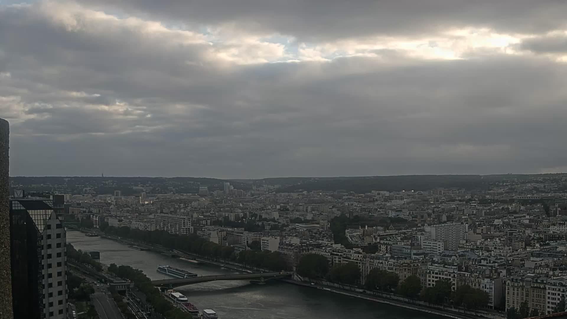 Paris Fri. 20:23