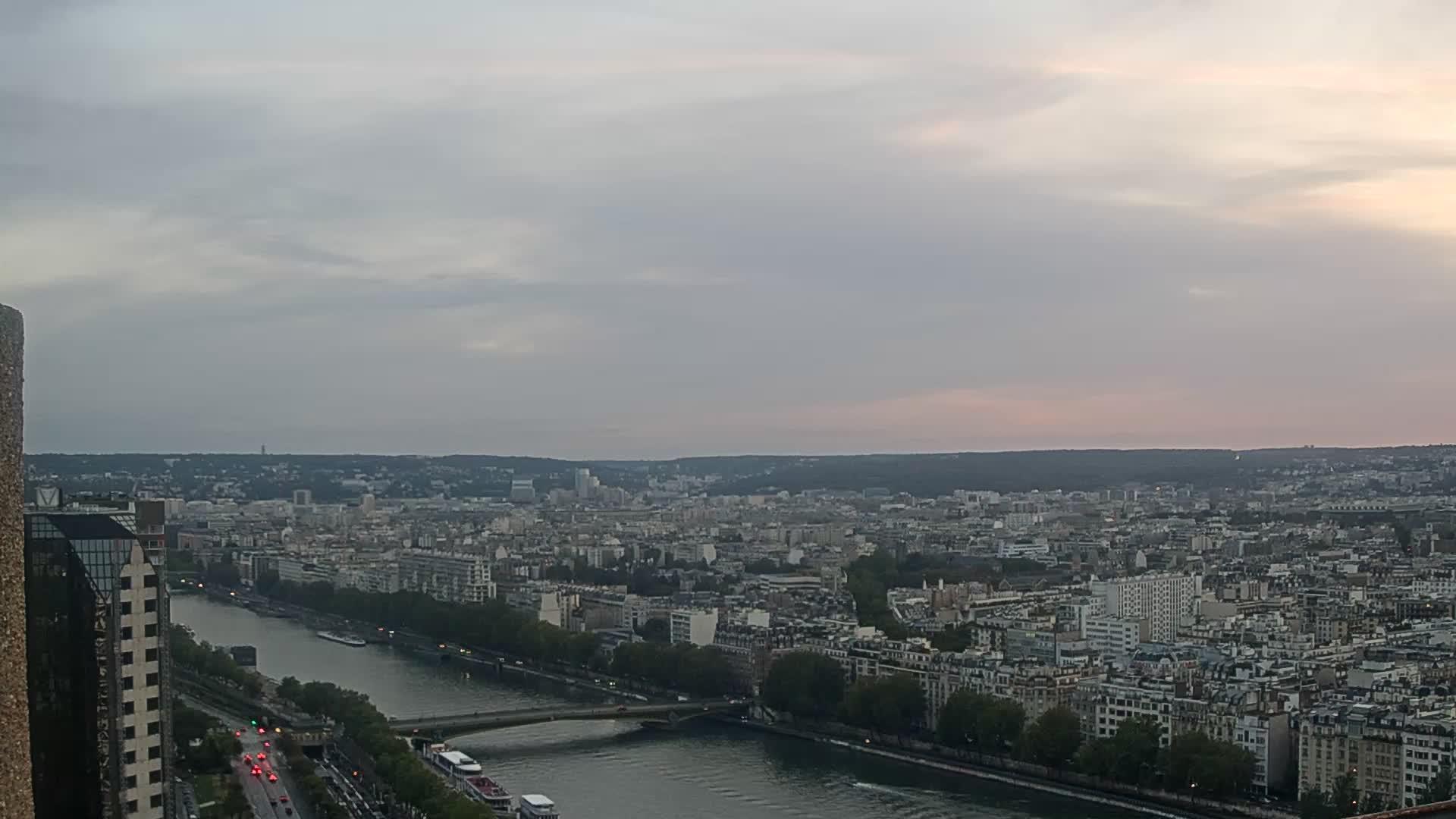 Paris Fri. 21:23