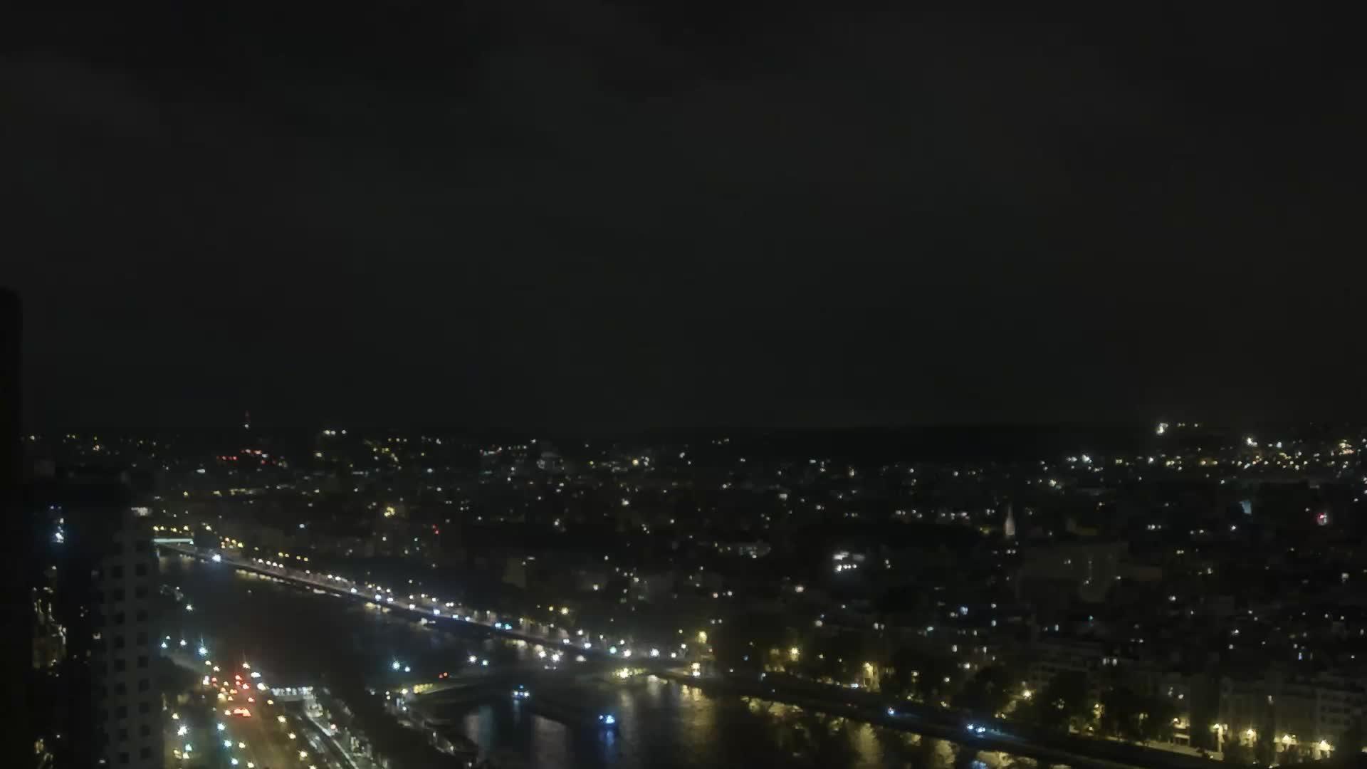 Paris Fri. 23:23