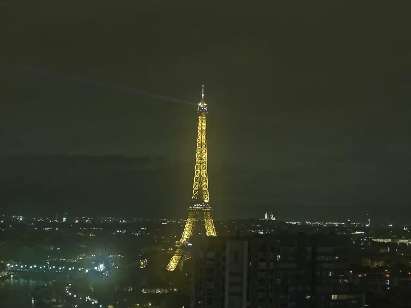 Paris Fri. 00:22