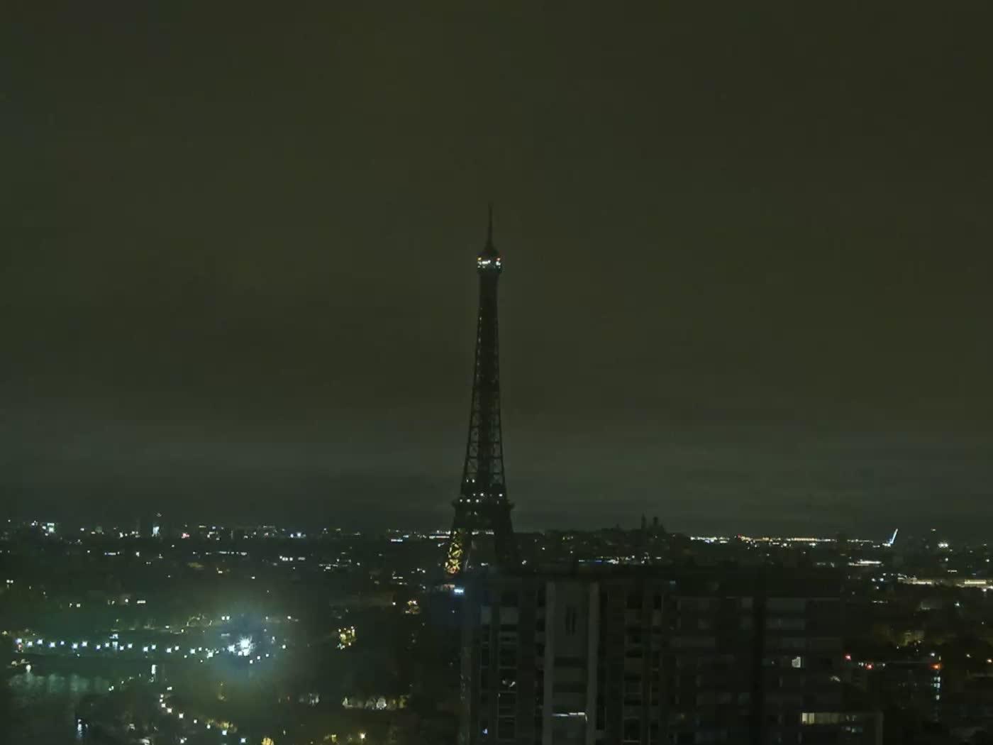 Paris Fri. 01:22