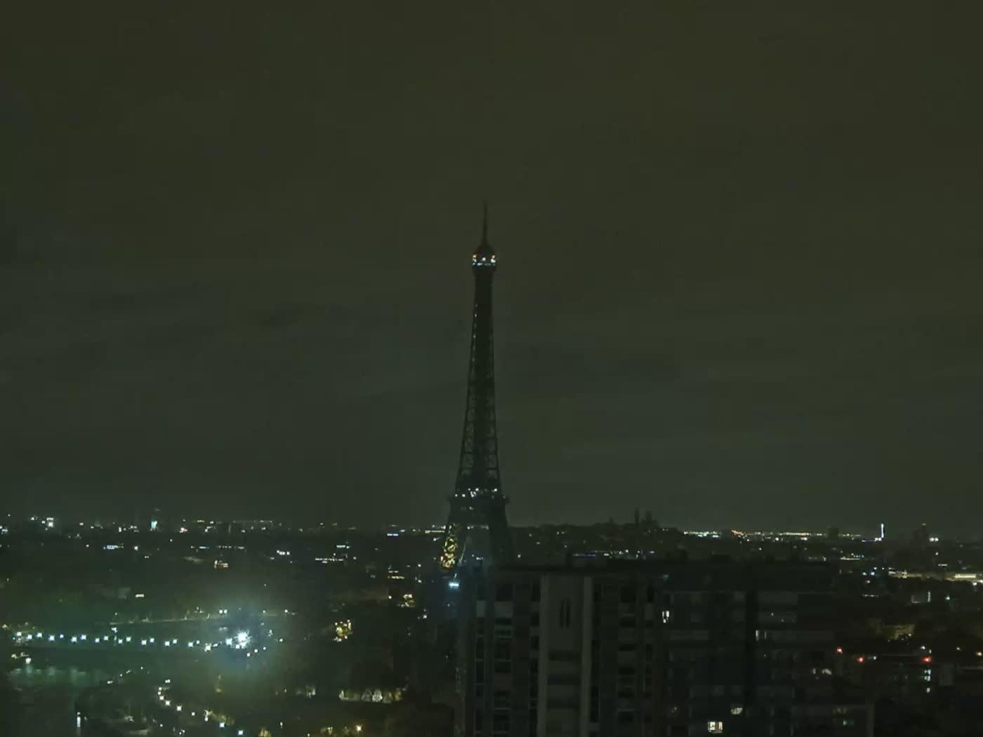 Paris Fri. 02:22