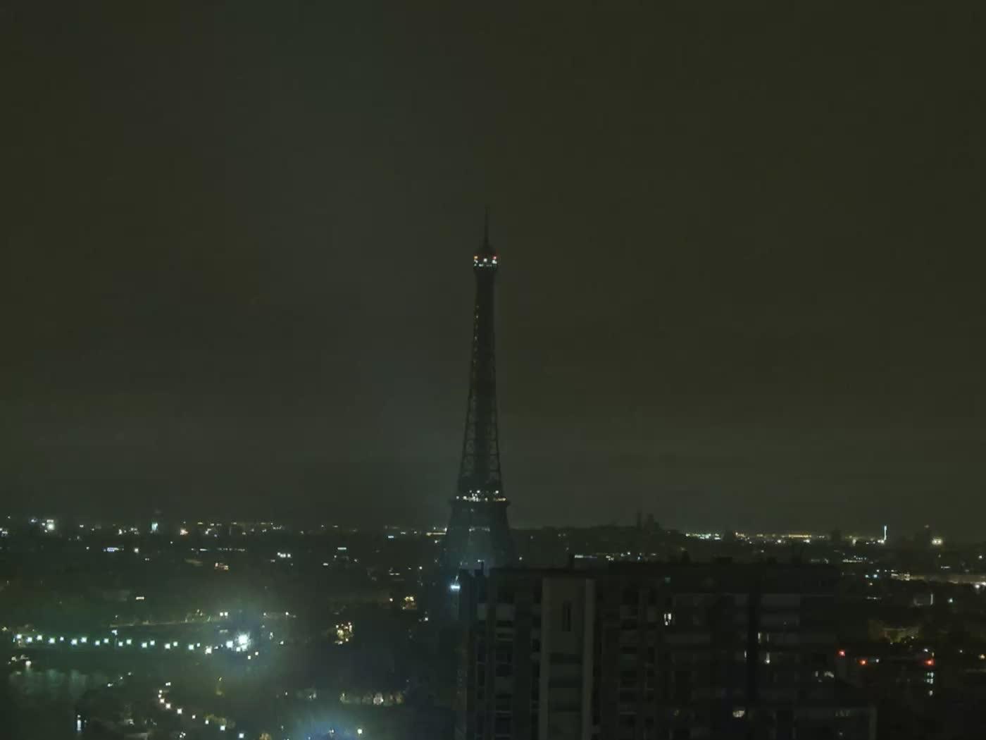 Paris Fri. 04:22