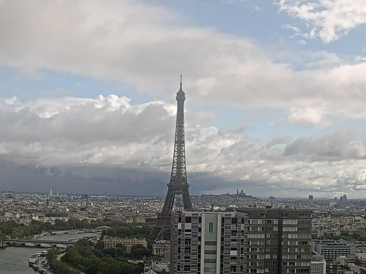 Paris Thu. 10:22