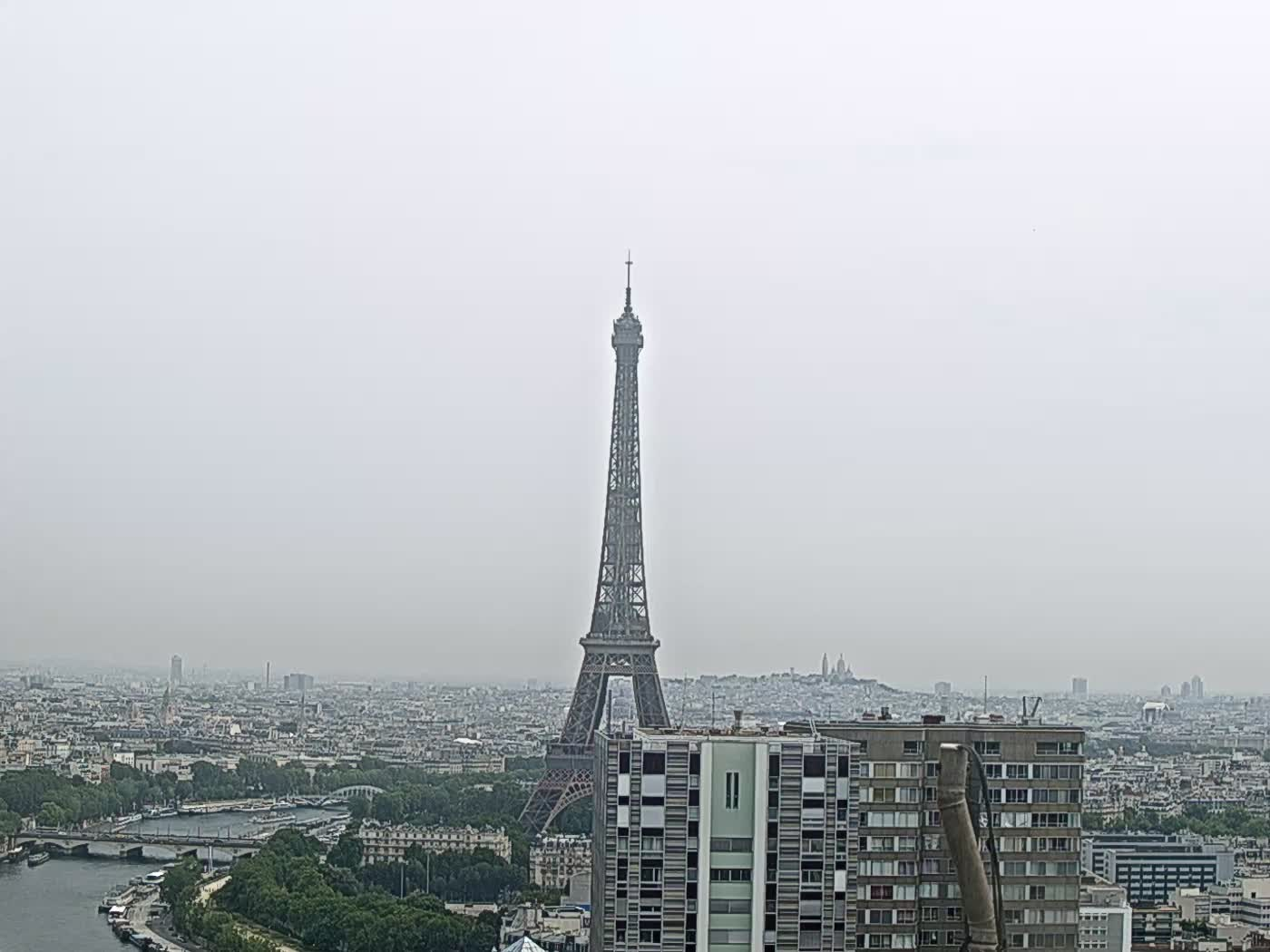 Paris Thu. 11:22
