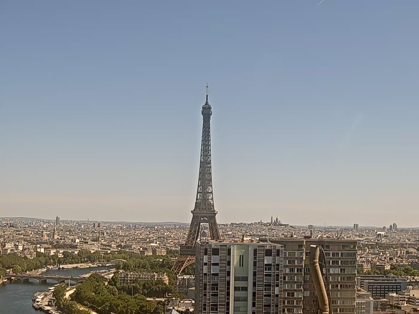 Paris Thu. 12:22