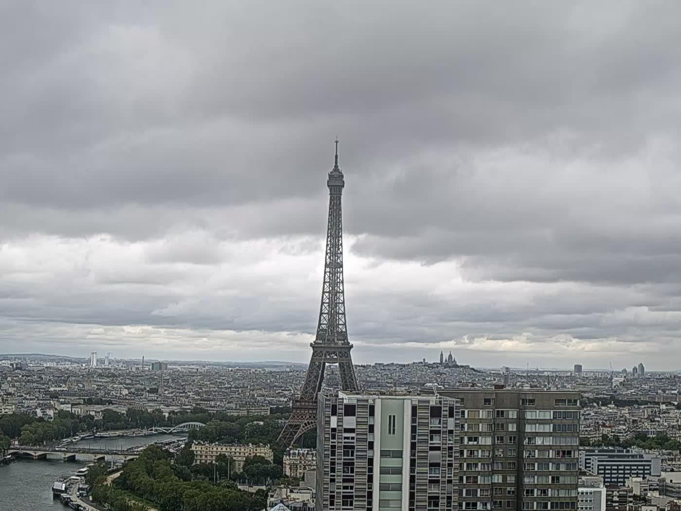 Paris Thu. 13:22