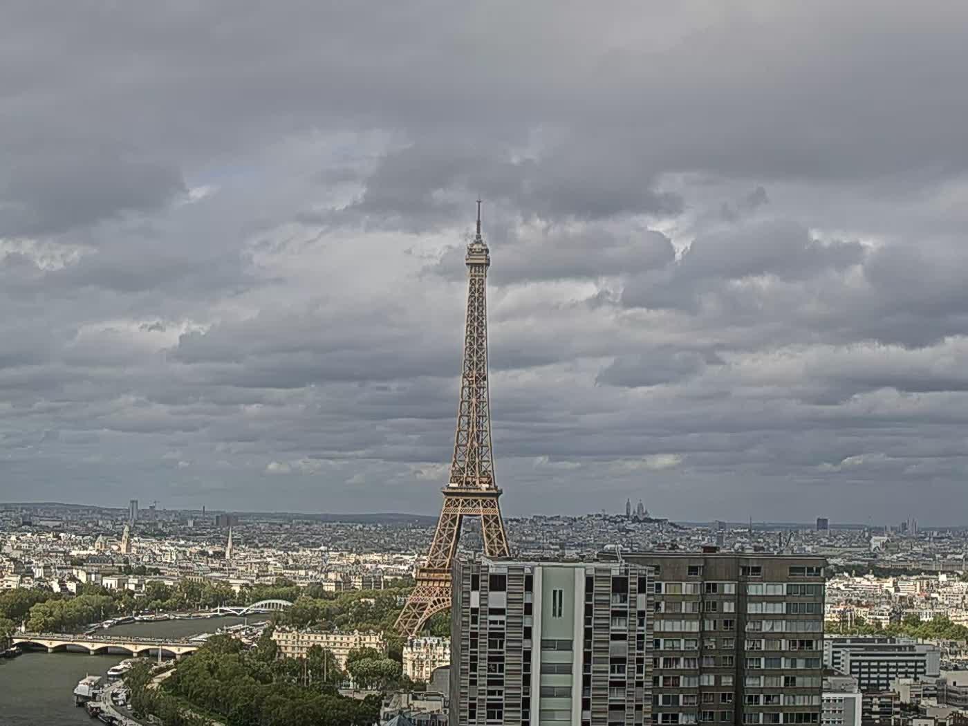 Paris Thu. 17:22