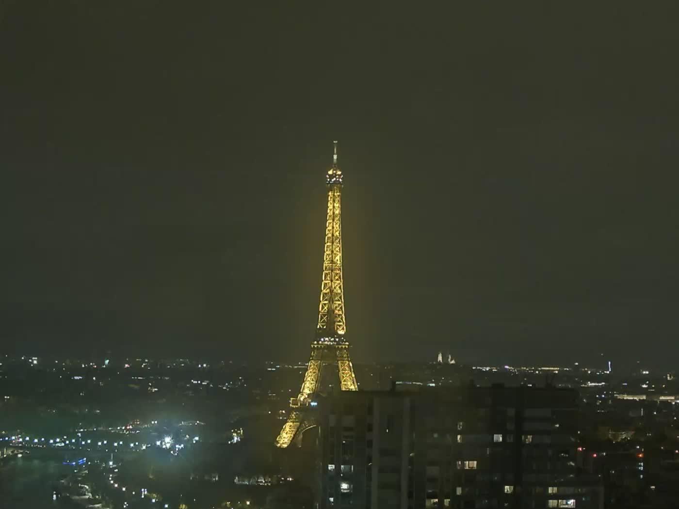 Paris Thu. 23:22