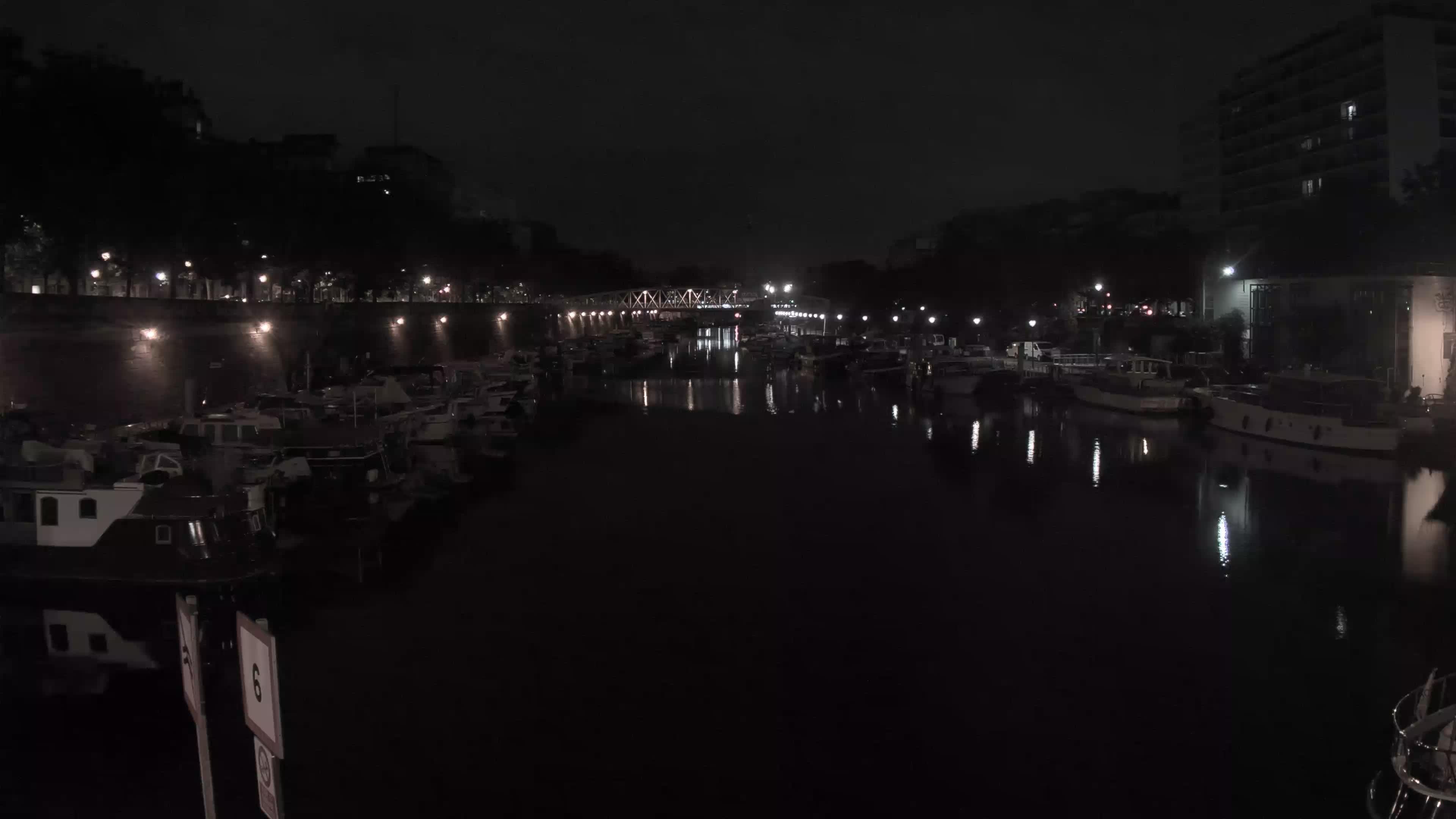 Paris So. 01:36