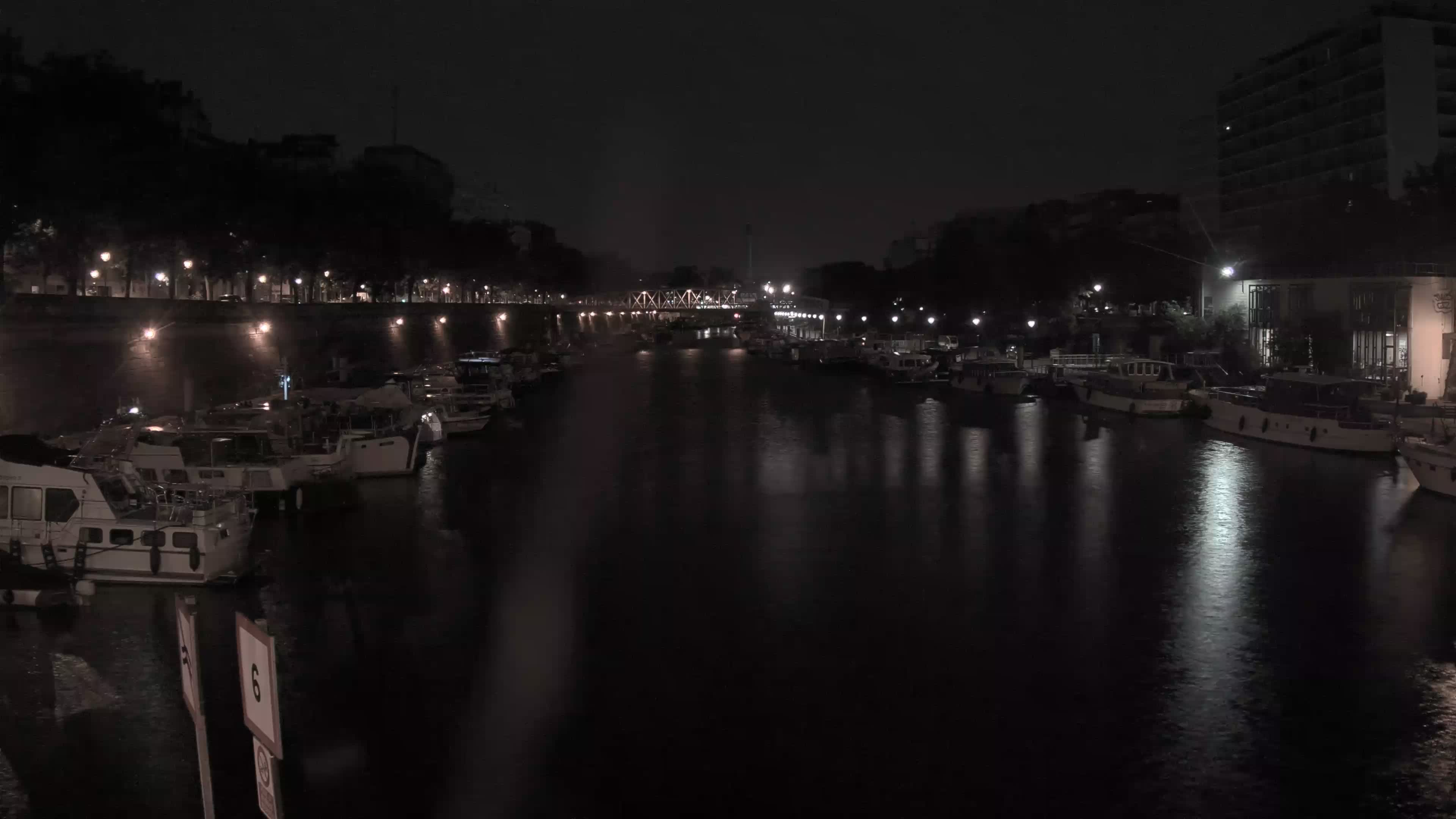 Paris Sa. 02:36