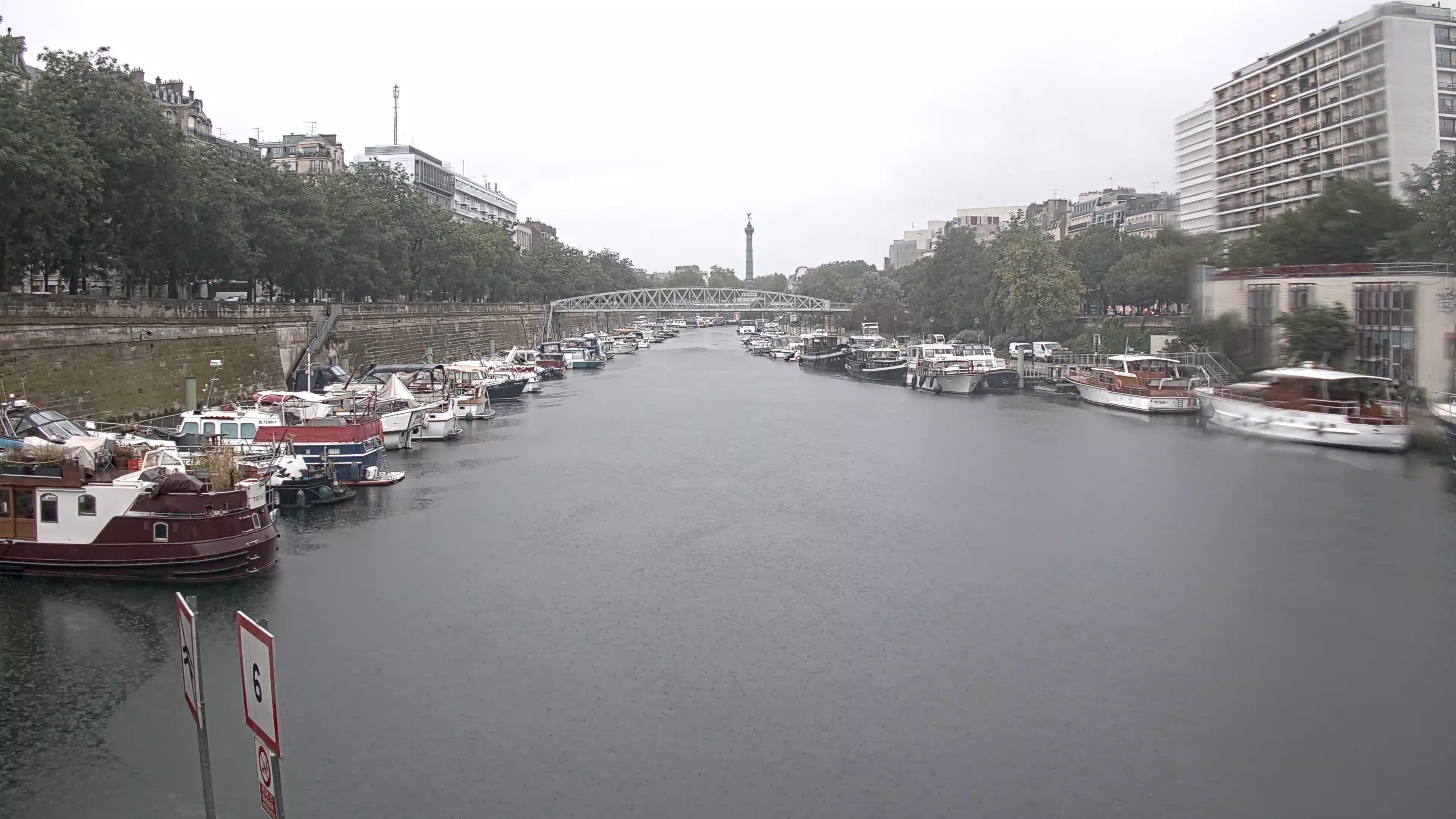 Paris Sa. 07:36