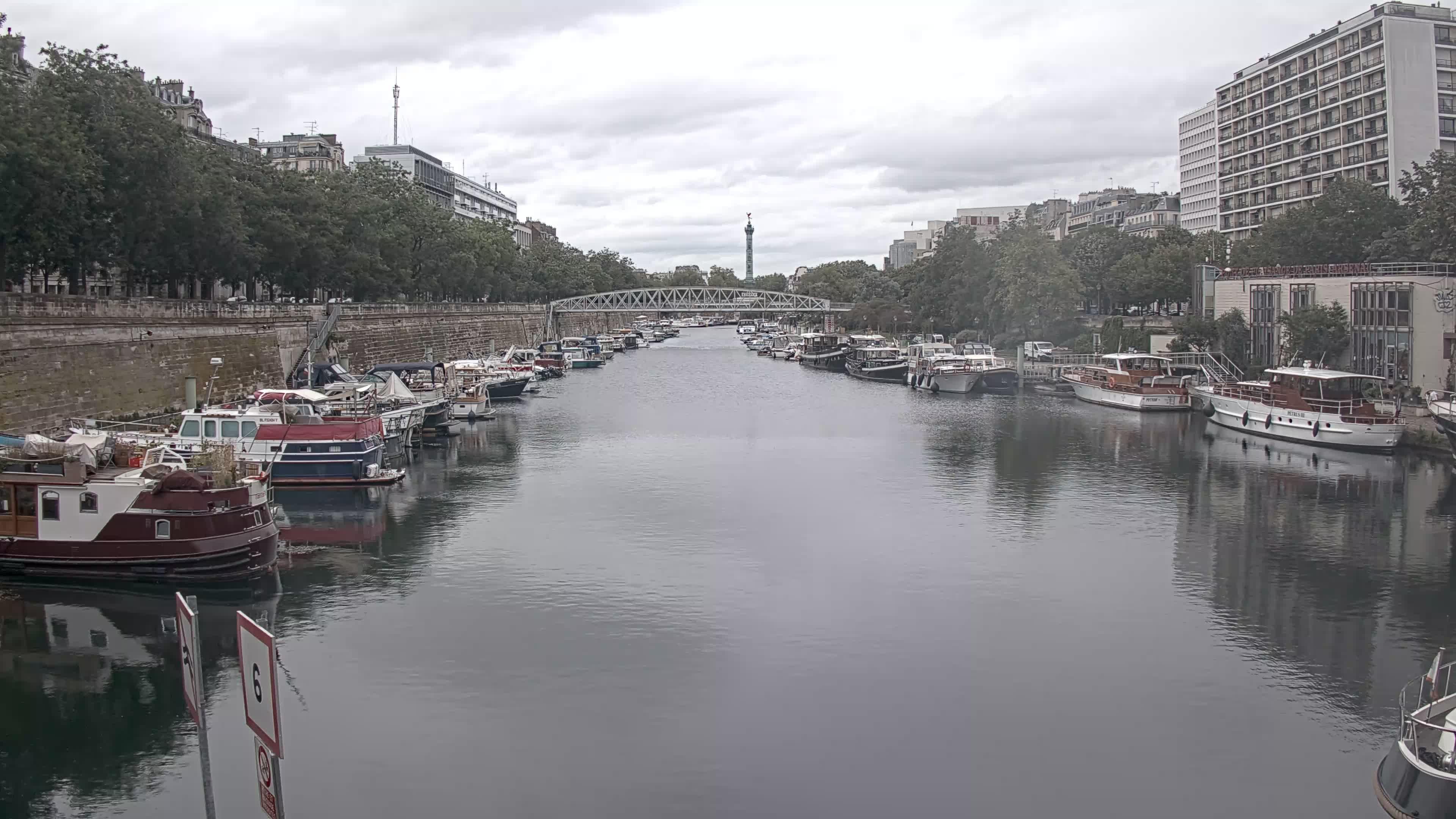 Paris Sa. 12:36
