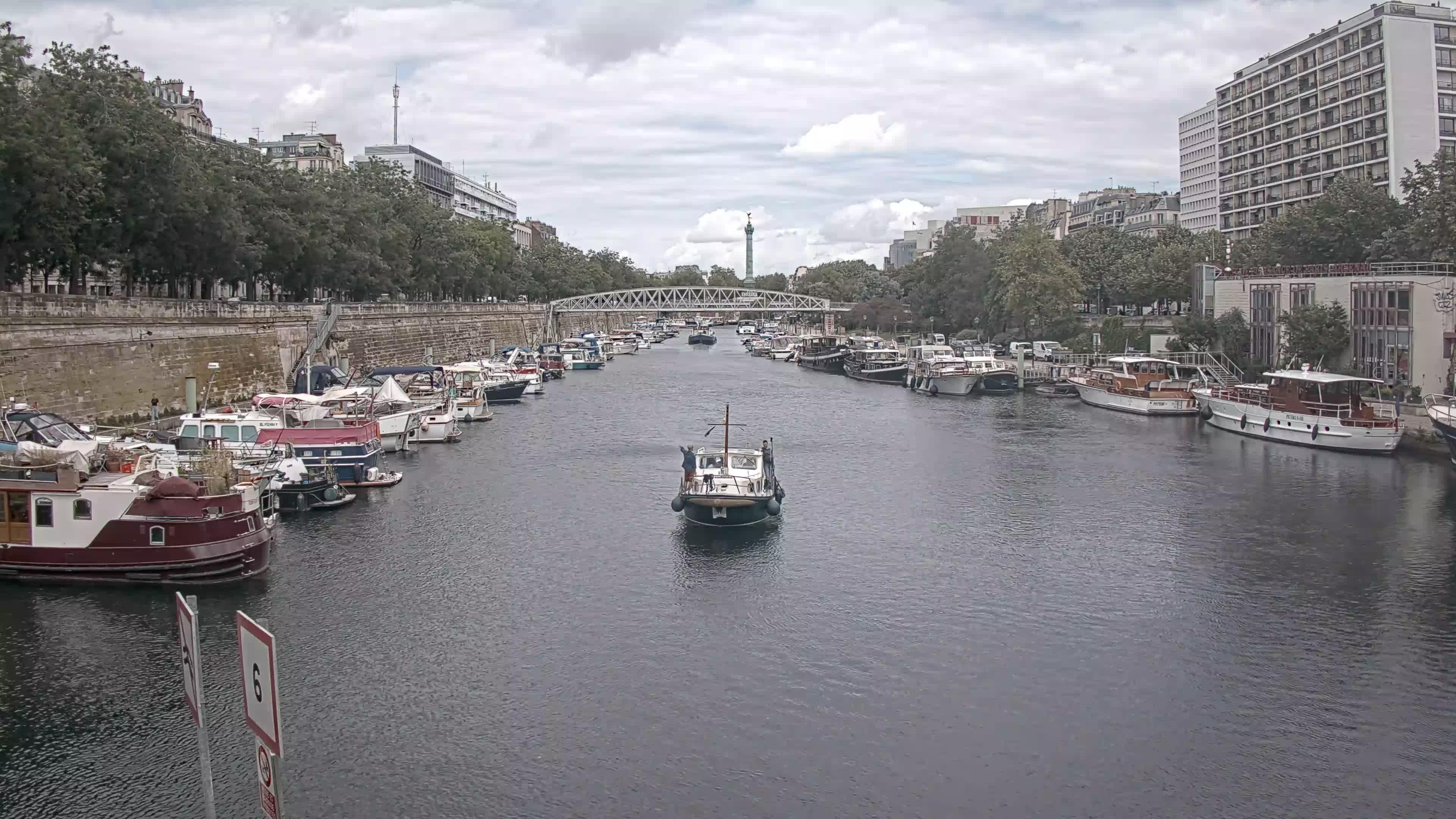 Paris Sa. 13:36