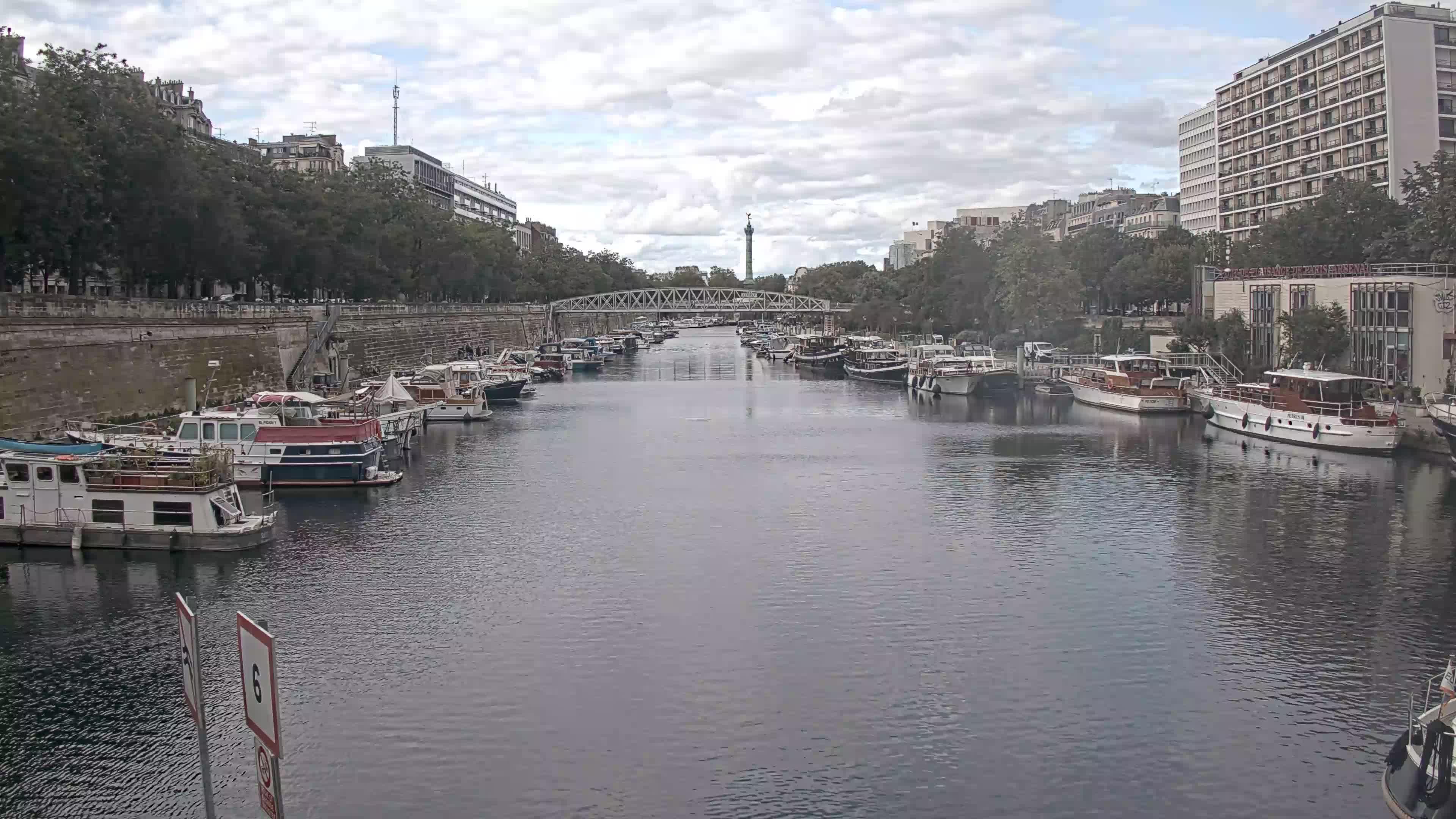 Paris Sa. 18:36