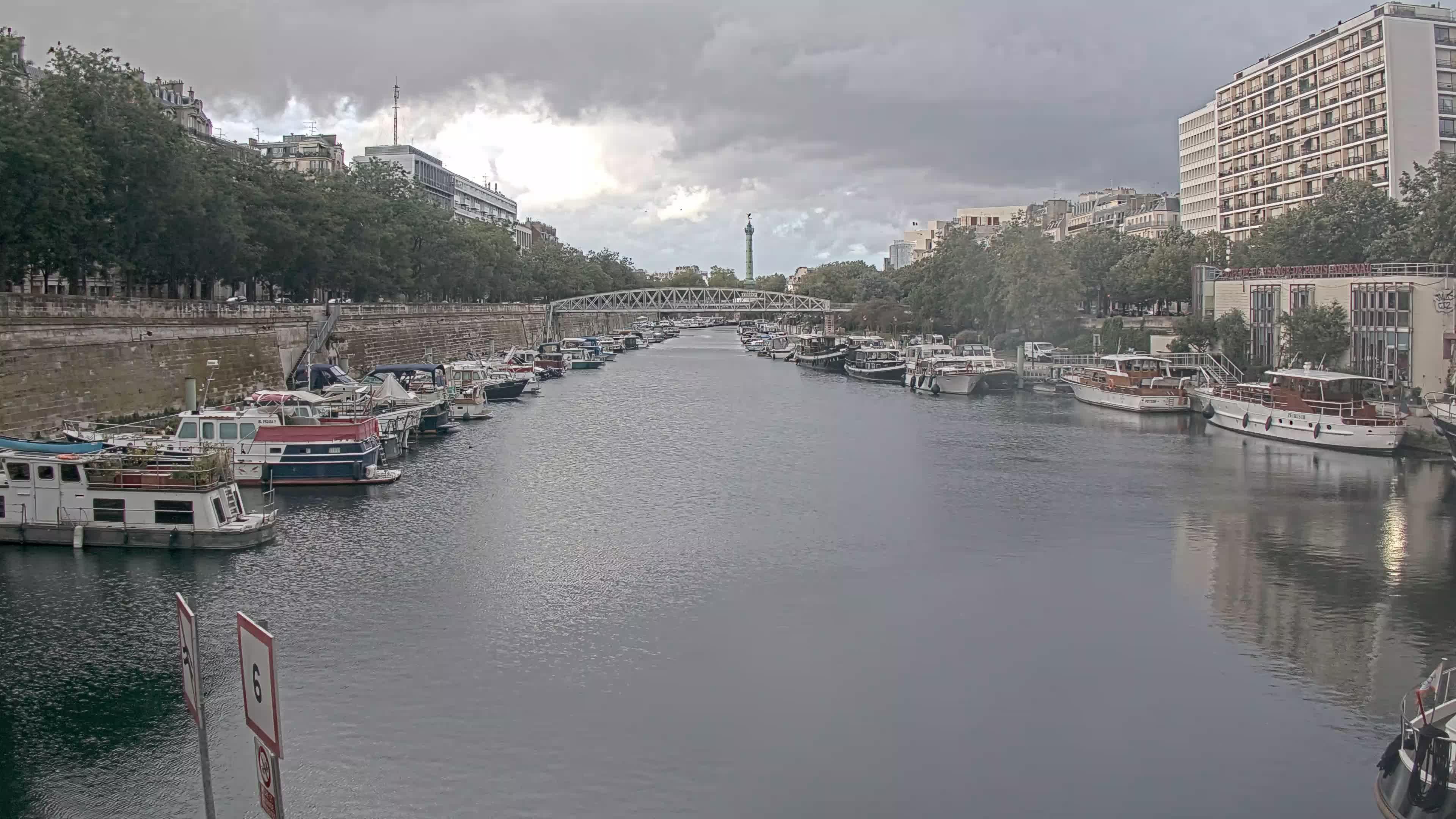 Paris Sa. 19:36