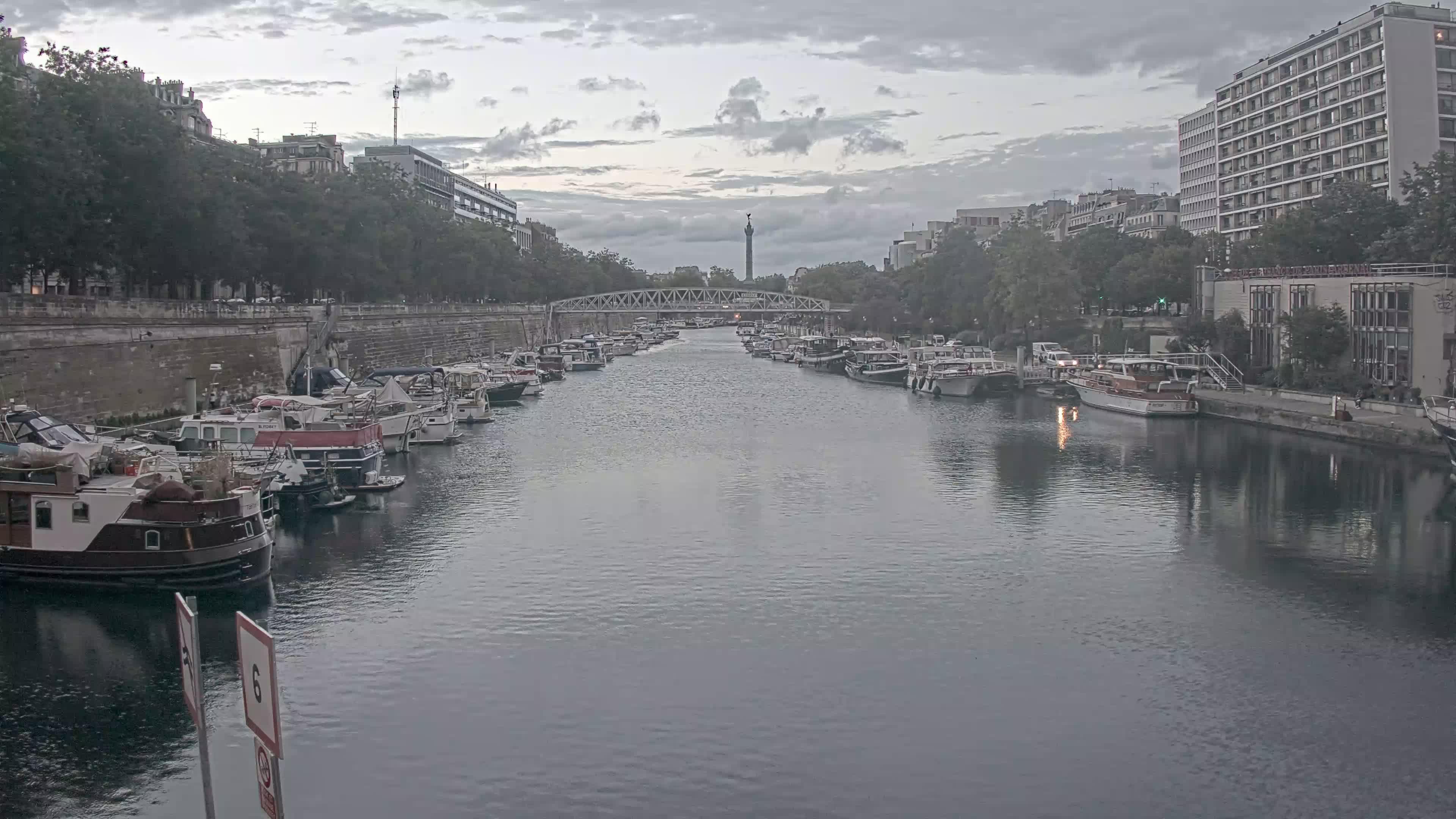 Paris Sa. 21:36