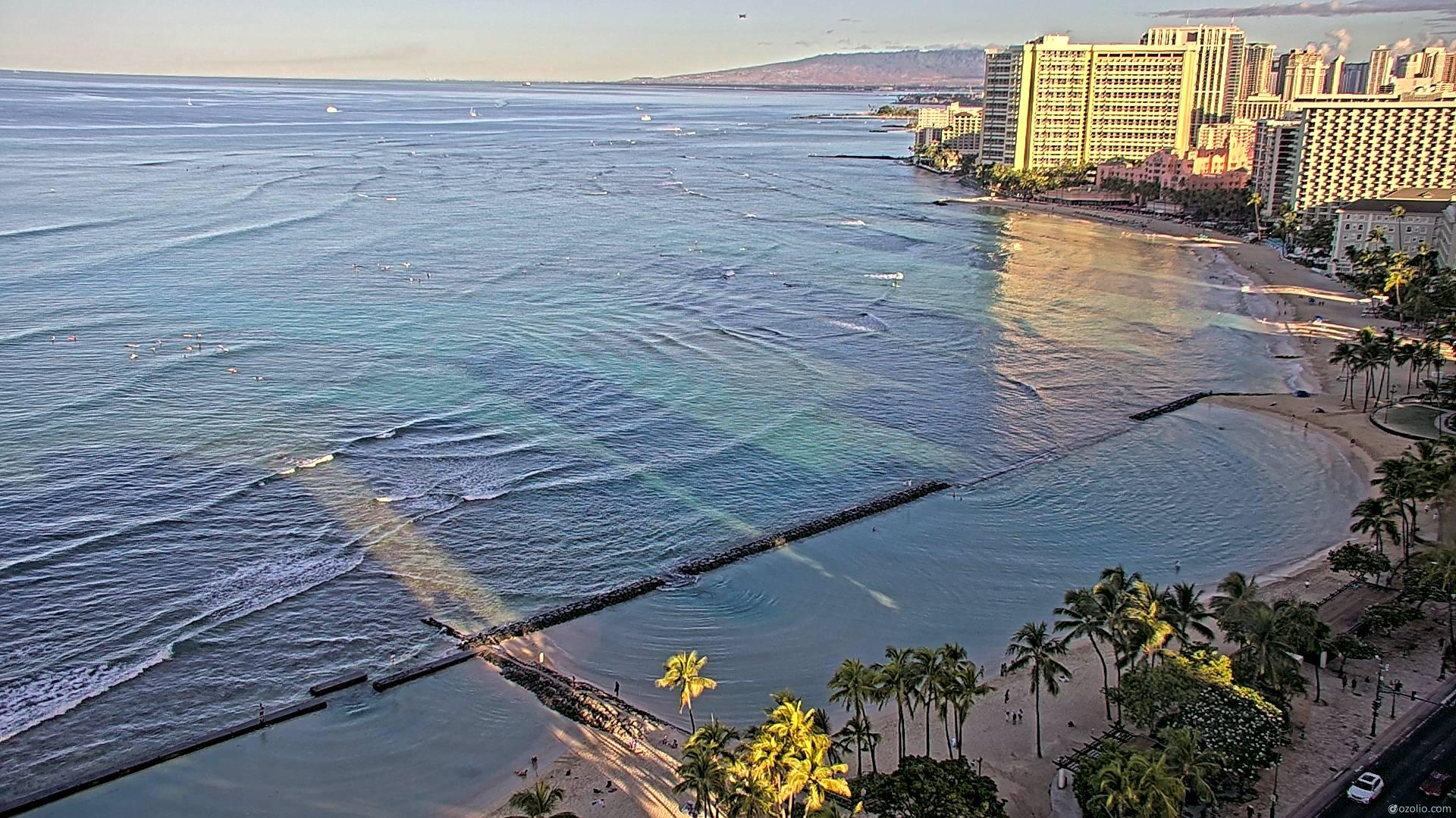 Waikiki Beach, Hawaii Fri. 07:16