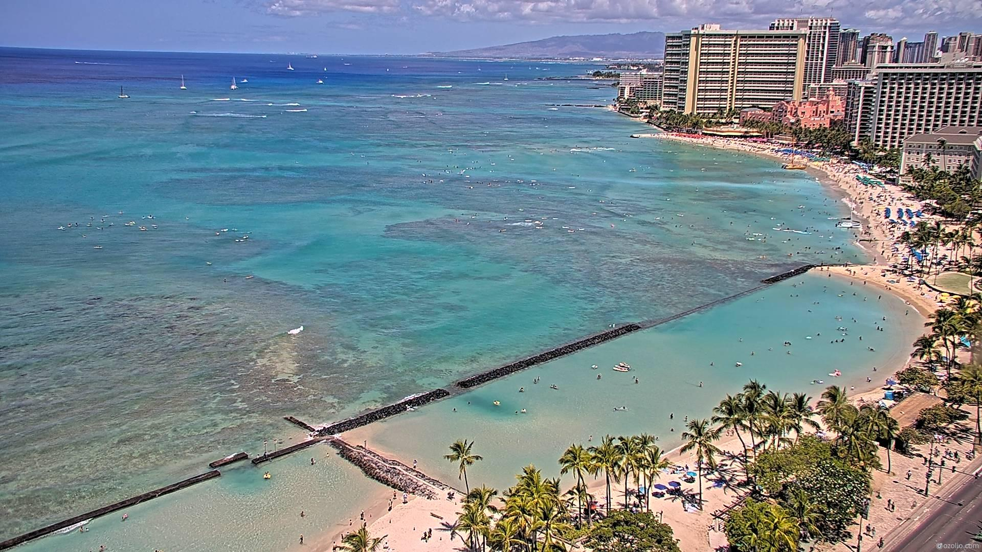 Waikiki Beach, Hawaii Fri. 11:16