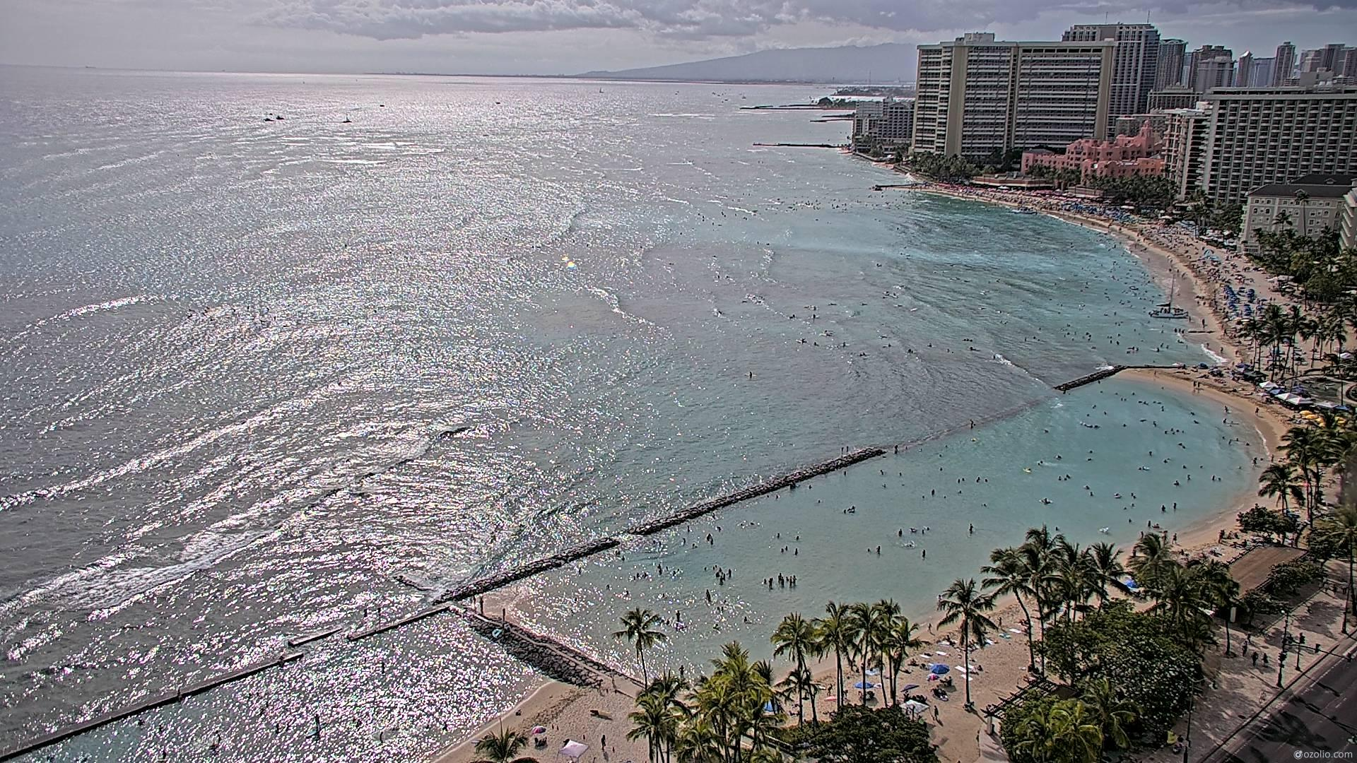 Waikiki Beach, Hawaii Fri. 16:16