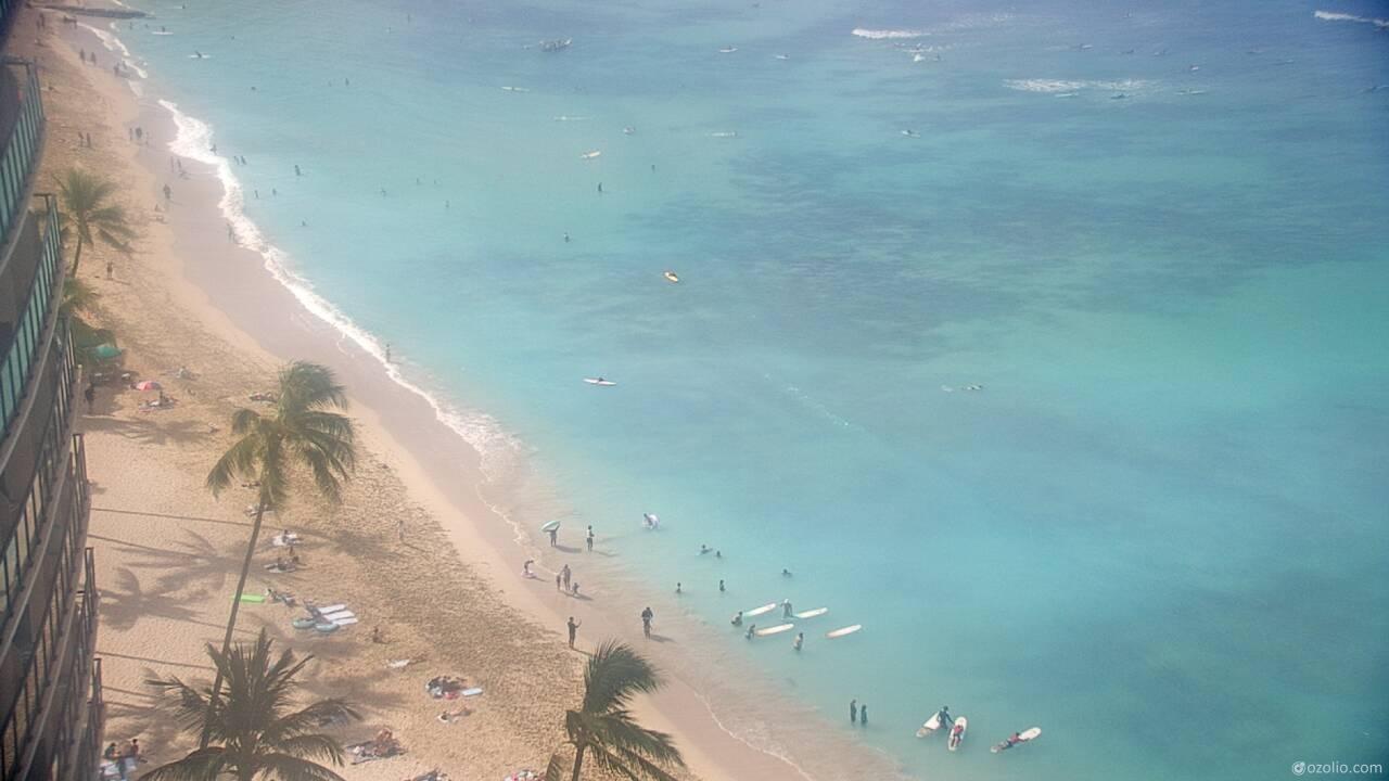 Waikiki Beach, Hawaii Tue. 09:20