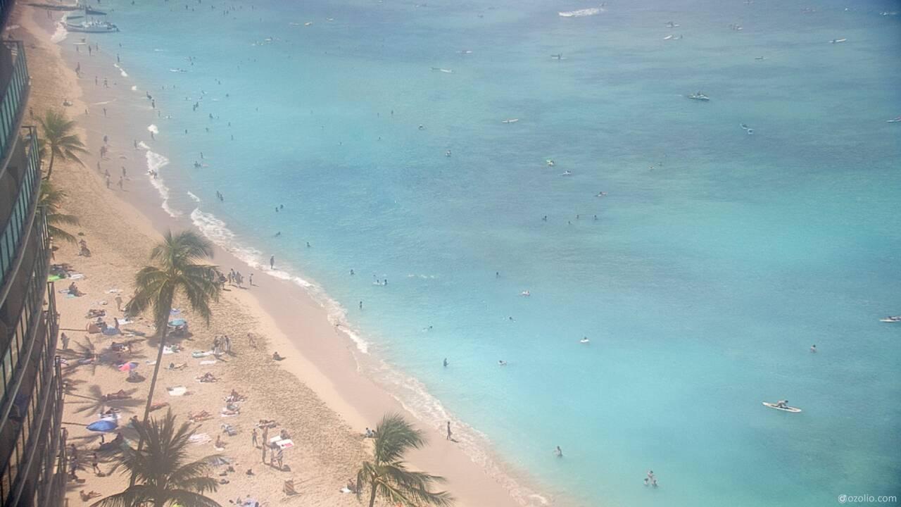 Waikiki Beach, Hawaii Tue. 10:20