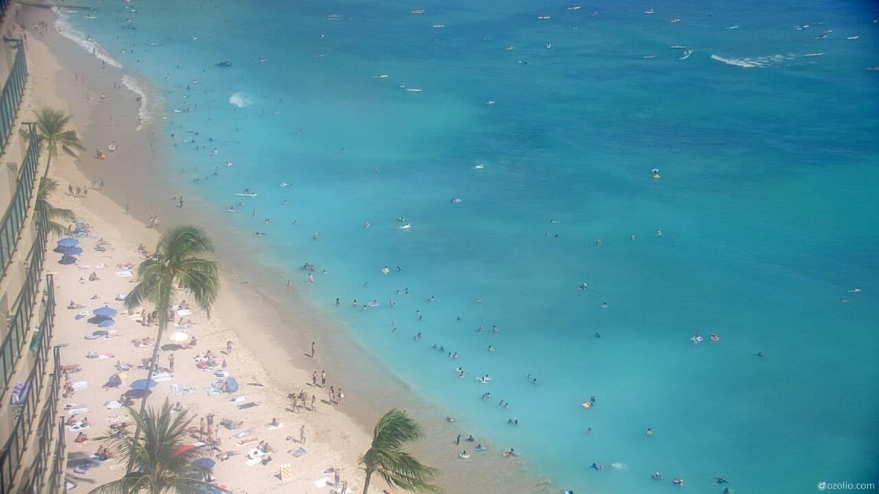 Waikiki Beach, Hawaii Tue. 15:20