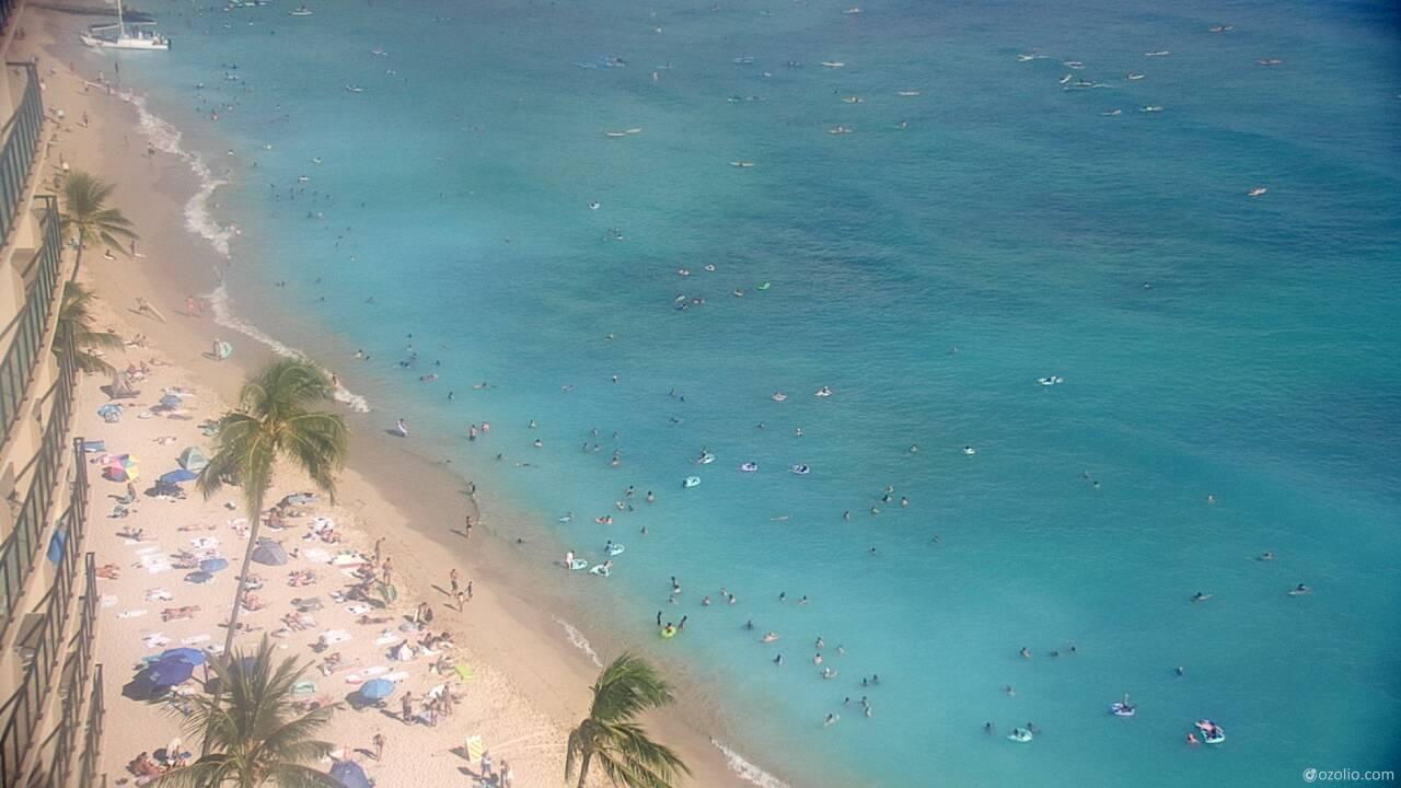 Waikiki Beach, Hawaii Tue. 16:20