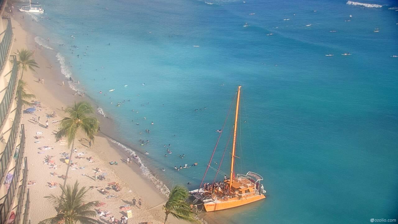 Waikiki Beach, Hawaii Tue. 17:20
