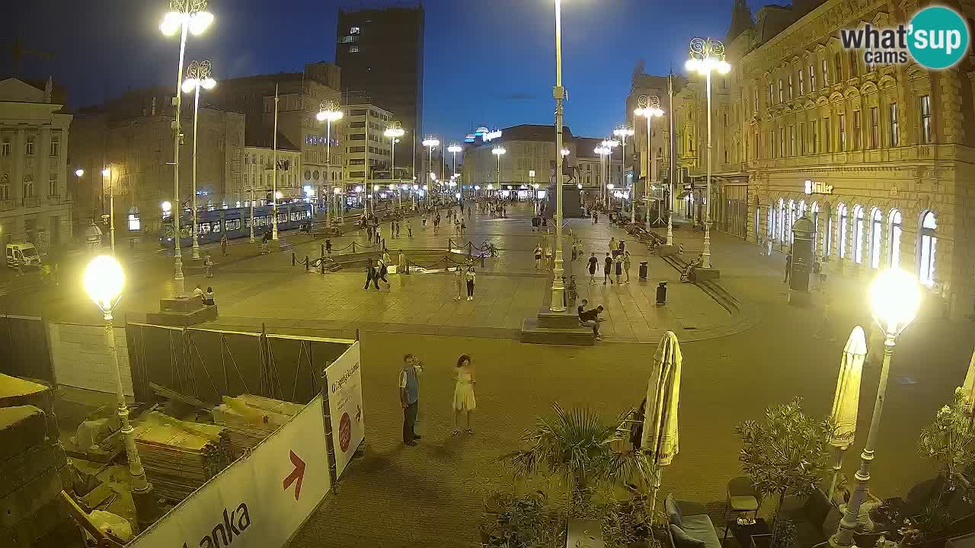 Zagreb Mon. 21:36
