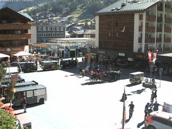 Bahnhofplatz Zermatt