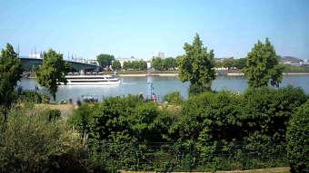 Rhein und Kennedybrücke